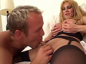 Blond shemale fucks in orgy and jizzes and catch cum